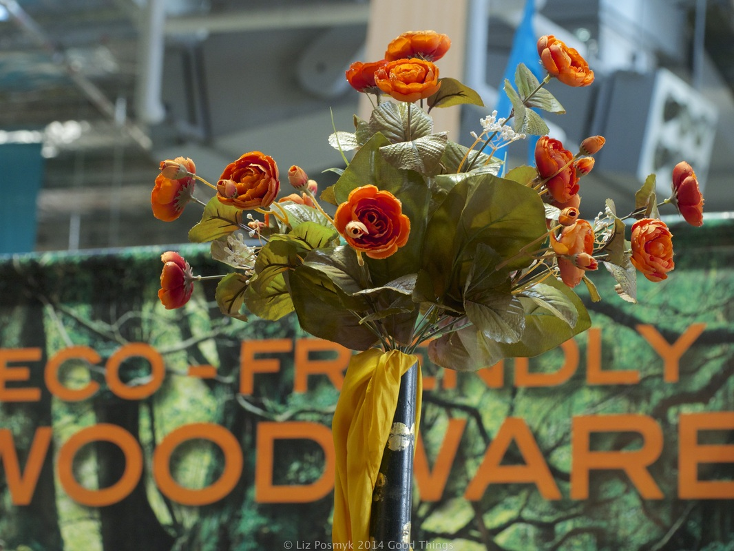 Flowers at the Old Bus Depot Markets, photo by Liz Posmyk