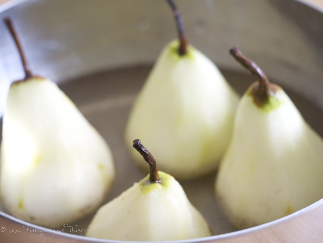 Poaching the pears