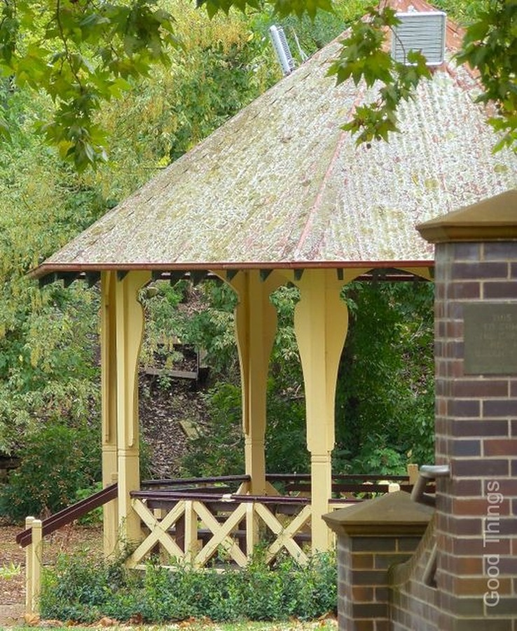 Vintage bandstand in Leighton Gardens, Moss Vale, NSW - photo Liz Posmyk Good Things