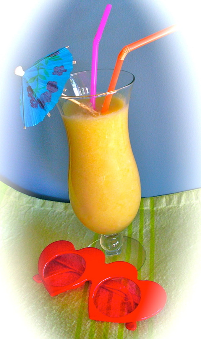 Pina Colada - retro indulgence for a hot New Year's Eve
