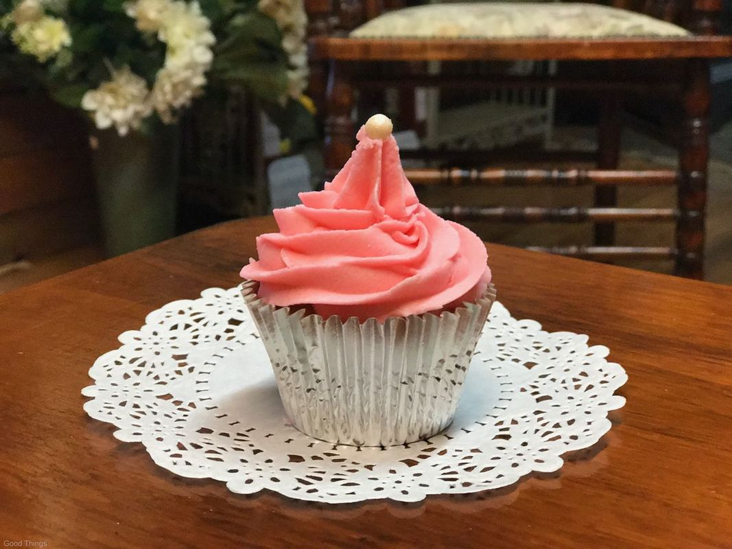 Pretty in pink cupcake at the Fitzroy Falls General Store - Liz Posmyk Good Things